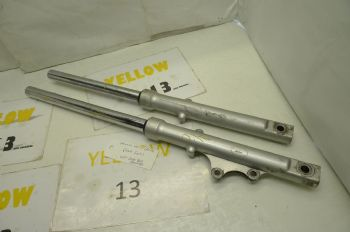 YAMAHA YBR125 BREAKING.   FRONT  FORKS  #6  (CON-D)